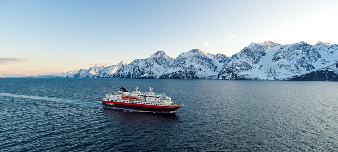 Crucero fiordos Noruega en Hurtigruten por el Artico