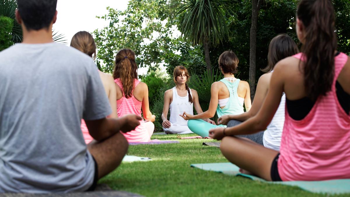¿Buscas un plan diferente? Apúntate a un YogaBrunch